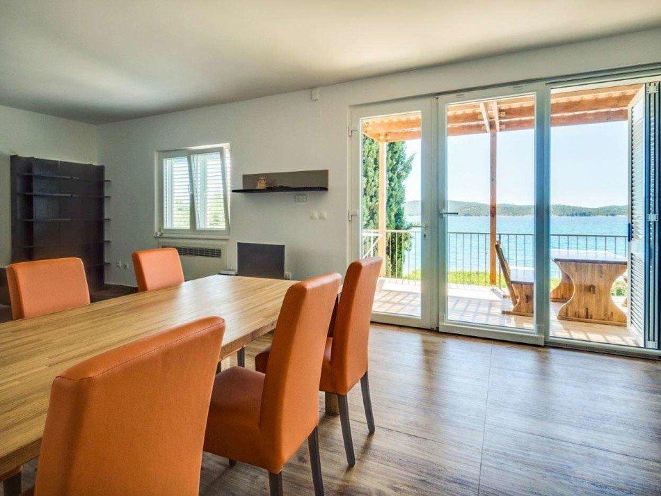 Sibenik-umgebung- Haus Direkt Am Meer - Terra Dalmatica Immobilien ... Terrassen Design Meer Bilder