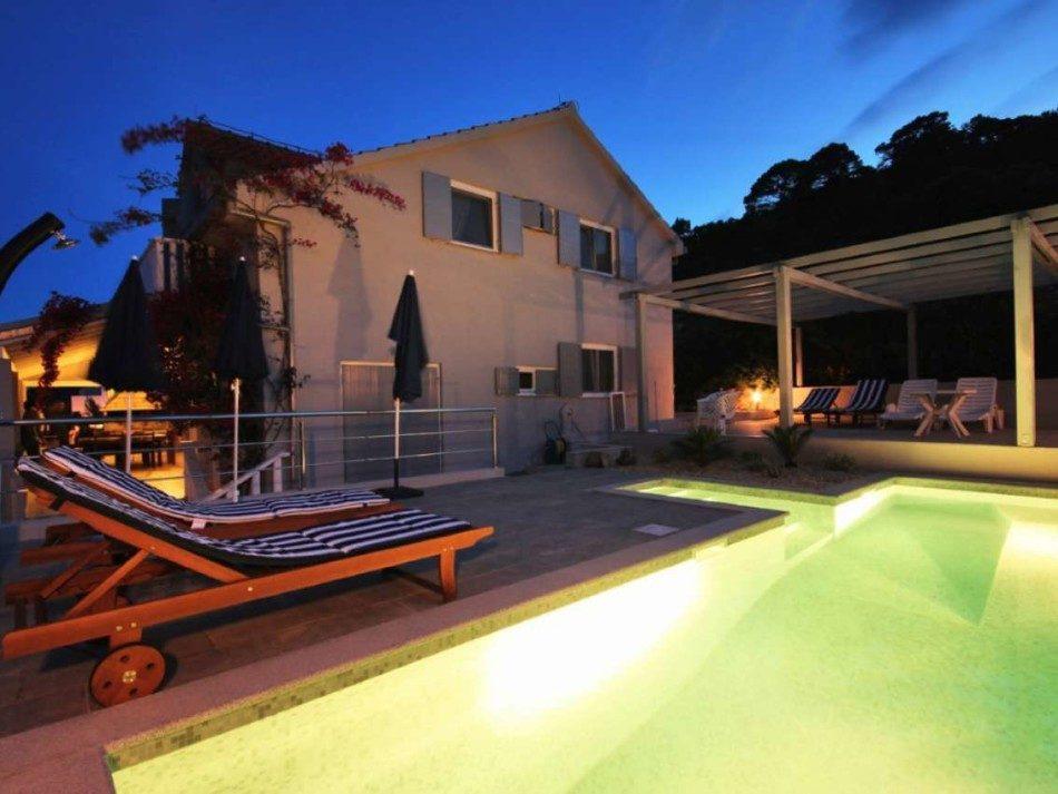Luxsus haus mit pool auf insel lastovo terra dalmatica for Pool verkauf